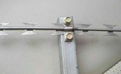 刀片刺绳直条