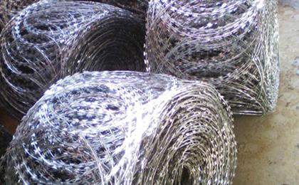 平板式刀片刺绳