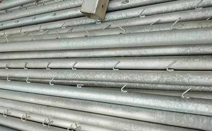圆管镀锌浸塑刺绳立柱